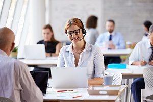 customer service representative interacting with a customer through social media